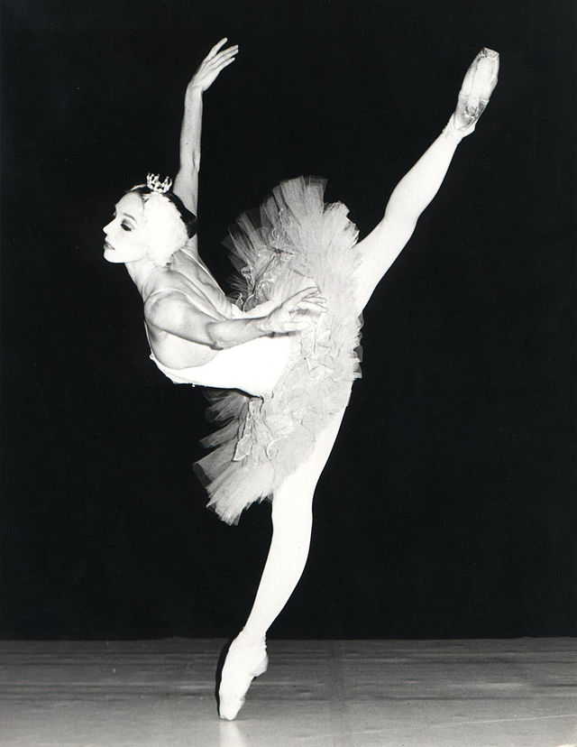 """Wilfride Piollet,, """"Le lac des cygnes"""", Opéra de Paris, 1977"""